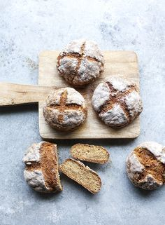 Bread in a few minutes Dolce Vita Lifestyle - Drink Recipe Book, Cake Recipes, Vegan Recipes, Ring Cake, Vegan Bread, Hungarian Recipes, Bread And Pastries, How To Make Bread, Meal Planning