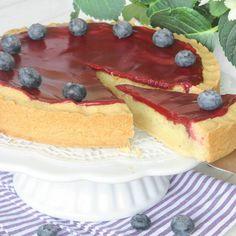 Mazarinkaka med blåbärsglasyr – Lindas Bakskola Tiramisu, Cheesecake, Cookies, Ethnic Recipes, Desserts, Frases, Sweets, Crack Crackers, Tailgate Desserts