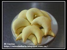 PANDEYUCA / PAN DE YUCA | Mi Cocina - YouTube Tostadas, Colombian Food, Sin Gluten, Queso, Waffles, Muffins, Food And Drink, Bread, Vegetables