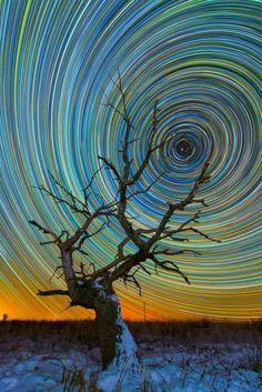 Trilhas coloridas de estrelas