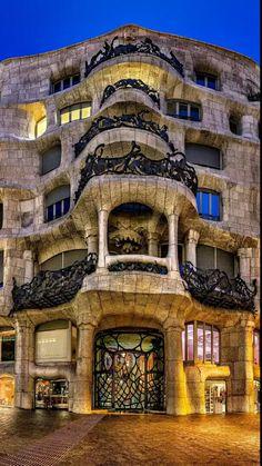 Casa Milà (La Pedrera), Barcelona by Antoni Gaudí / Origin by Dan Brown Architecture Art Nouveau, Beautiful Architecture, Beautiful Buildings, Art And Architecture, Beautiful Places, Residential Architecture, Barcelona Architecture, Architecture Portfolio, Beautiful Pictures