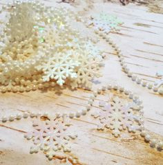 3 Yards Snowflake Garland, Craft Supply, Holiday Wreaths, Home Decor, Holiday Decorating, Winter Wonderland, Christmas Tree Decor by SRVintageandDesigns on Etsy