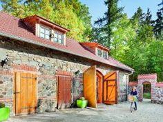 Srub na kraji lesa Gazebo, Outdoor Structures, Cabin, House Styles, Outdoor Decor, Home Decor, Kiosk, Decoration Home, Room Decor