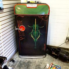 Mr Oz Designs — Working on this really cool vintage refrigerator. Vintage Fridge, Vintage Refrigerator, Retro Fridge, Paint Refrigerator, Painted Fridge, Painted Signs, Hand Painted, Garage Art, Garage Ideas