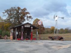 vintage gas stations | ... , AR : Cherokee village An old gas station near Cherokee Village