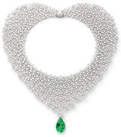 #PratoFiorito, 4th Chackra - #Necklace from « Le Bal Des émeraudes » - #PasqualeBruni - #FineJewelry collection in 18K white gold set with 1 #PearCut - #Emerald (16.68 cts) and 4549 #RoundCut - #Diamonds (47.05 cts) - July 2016