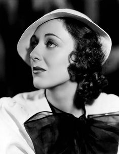 Portrait of Ann Dvorak - April 1933 Old Hollywood Glamour, Golden Age Of Hollywood, Vintage Glamour, Classic Hollywood, Vintage Beauty, Scarface Movie, Ann Sothern, Actor Secundario, Hollaback Girl