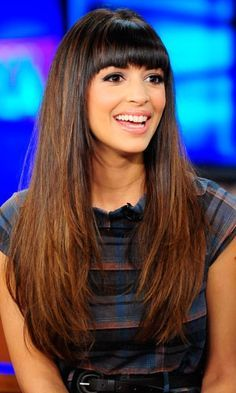 New Girl's Hannah Simone Shows Off Her Gorgeous Locks 2015 Hairstyles, Hairstyles With Bangs, Straight Hairstyles, Urban Hairstyles, Bangs Hairstyle, Short Hairstyle, Hairstyle Ideas, New Girl, Hair Straightener And Curler