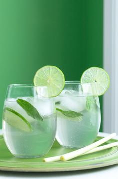 Your Friday Cocktail: Lemongrass, Lime & Thai Basil Mojito