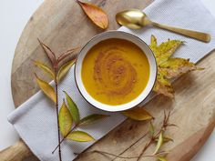 Roh-Kakao-Kürbissuppe mit Vanille und Liebe Kakao, Food Inspiration, Cantaloupe, Catering, Peanut Butter, Vanilla, Chef Recipes, Amor, Nut Butter