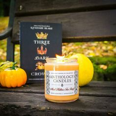 There's just something about the color orange that always makes me think of fall!Fortunately so does Mad Hatter's Tea Party - with its warm and comforting scent of chamomile tea vanilla bakery cakes and cinnamon it's the perfect fall fragrance!  Many thanks to our dear friend @eviebookish for this fantastically fall photo! Tag us @anthologycandles to share!    #anthologycadles #fall #madhatter #madteaparty #disneygram #disneygrammer #bookstagram #bookstagrammer #bibliophile #bookworm…