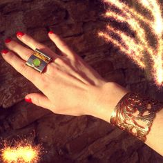 #bijoux #necklace #seaside #girl #fashionblog #fashionblogger #style #jewelry #rings #stones #cuffs #earrings #gold #inspiration #oots  #outfit  #collana #mare #fondali #ramage #gioielli #gioielleria #moda collana dorata ispirata ai Fondali stelle marini, conchiglie ,bracciale ramage, maxi anello  orecchini pietre Flo' New Age, bijoux ispirati ...