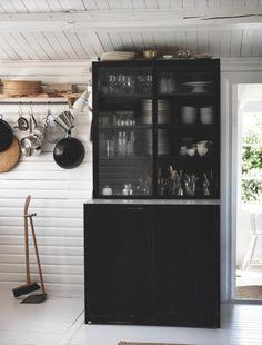 Et sommerhus med hjemmelavet hygge | Boligmagasinet.dk