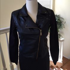 ❤️ Stylish faux leather jacket with gold accent ❤️ ❤️ Stylish faux leather jacket with gold accents. Size medium. 2 side zip pockets. Gathered at waist. Arms are Jean material NWT❤️ Jackets & Coats Blazers