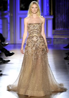 Zuhair Murad S2012 HC I never heard of this designer before I got on to Pinterest a few months ago. and now about 90 percent of the fashionista clothes I like our from this designer.