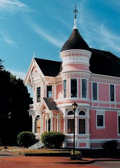 Pastel Pink Victorian Home, not a huge fan of pink homes, but I love this architecture. I wish my house looked like this. Pink Houses, Old Houses, Vintage Houses, Style At Home, Exterior Color Combinations, What's My Favorite Color, Second Empire, Victorian Architecture, Victorian Buildings