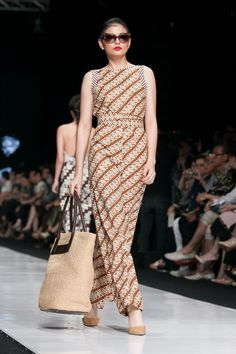 Jakarta Fashion Week 2014 – Edward Hutabarat – The Actual Style                                                                                                                                                     More