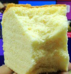 Orange sponge cake Ingredients: 6 large egg yolks oil orange juice cake flour salt Zest of one orange 6 egg whites sugar tsp cream of tartar Method: Line the bottom an … You are in the right place about cake sheet Here we offer you the most beautiful … Bolo Chiffon, Lemon Chiffon Cake, Orange Chiffon Cake, Orange Sponge Cake, Orange Juice Cake, Ogura Cake, Super Torte, Baking Recipes, Dessert Recipes