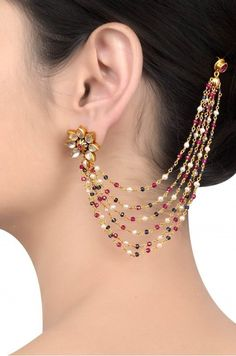 Add a little glam to your Indian wedding outfit by wearing these chic earrings. You can pair these trendy and classy earrings with any ethnic attire. OTT earrings will surely take your reception/haldi/mehndi/wedding outfit a notch higher. Indian Jewelry Earrings, Jewelry Design Earrings, Gold Earrings Designs, Ear Jewelry, Bridal Jewelry, Jewelery, Gold Jewelry, India Jewelry, Chain Jewelry