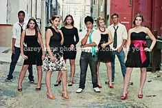 Take a group of teens, tell them to strike a pose and change something subtle every time they hear the shutter click. Large Group Posing, Group Photo Poses, Poses For Photos, Prom Picture Poses, Picture Ideas, Photo Ideas, Homecoming Group Pictures, Prom Pictures, Prom Photography