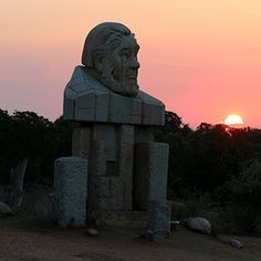 When is the best time to visit kruger national park? paul kruger statue, best time to visit Kruger Kruger National Park Safari, National Parks, Biomes, African Safari, Ecology, South Africa, Trip Advisor, Mount Rushmore, Lion Sculpture