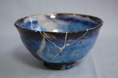 listening to leaves: Kintsugi - the art of repairing teaware Japanese Ceramics, Japanese Pottery, Japanese Art, Ceramic Clay, Ceramic Bowls, Ceramic Pottery, Kintsugi, Cerámica Ideas, Art Asiatique