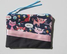 Trousse à maquillage en jean et jersey imprimé chat MEOW avec biais satin rose : Trousses par tresors-des-baines