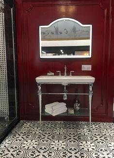 We're sharing the highlights and trend info from the 2019 Kitchen and Bath Insdustry Show held in Las Vegas of this year. Kitchen And Bath Design, Home Decor Kitchen, Kitchen Ideas, Bathroom Accent Wall, Las Vegas Shows, Black Tiles, Best Flooring, Floor Patterns, Light Oak