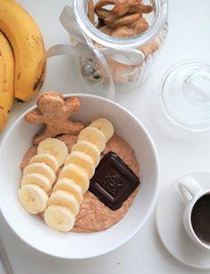 Miért csak karácsonykor élveznéd a mézeskalács ízét? A mézeskalácsot zabkásával akár minden napodba belecsempészheted a karácsony hangulatát!ű #gingerbread #ginger #gingerman #porridge #porridgebowl #porridgelover #sugarfree #breakfast #healthy #healthy breakfast #fitbreakfast #fitness #fitfood #zab #zabkása #mézeskalács #cukormentes #tejmentes #reggeli #reggeliötlet #cukormentesmézeskalács Minden, Chocolate Fondue, Desserts, Food, Mint, Tailgate Desserts, Deserts, Essen, Postres