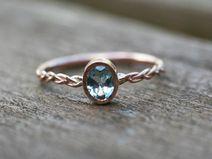 Pierścionek zaręczynowy z akwamarynem różowe złoto