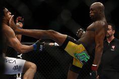 Silva Vs Belfort (UFC 126) - Knock out kick