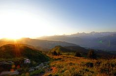 This week's «Round T(r)ip» is a #hike on the #panorama trail #Niederhorn - Waldegg.