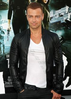 Joey Lawrence I will watch Melissa and Joey all day for Joey !!!!!!!