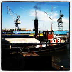 Dampfer im Harburger Binnenhafen
