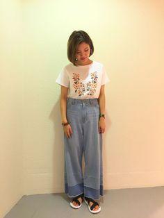 刺繍Tシャツ&素敵なお知らせ♩ 大きな花がとても大人っぽくてレトロな雰囲気もありとてもお洒落な一着です。 可愛い刺繍が苦手な方でも挑戦しやすいです。