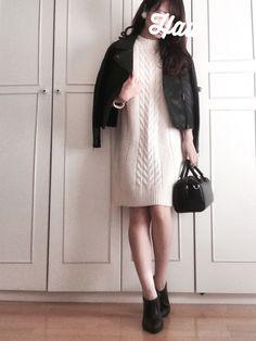 昨年のGU白ニットワンピに 黒ライダースを肩掛け。 小物も黒で統一して少し辛口です。 その Sweaters, How To Wear, Outfits, Dresses, Fashion, Vestidos, Moda, Suits, Fashion Styles