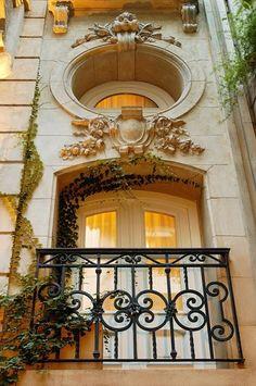 Barrio de Recoleta (detalle balcon). Buenos Aires, Argentina ~ via pinterest