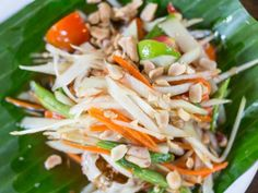 Browse popular dishes of Thai Cuisine. Raw Food Recipes, Asian Recipes, Cooking Recipes, Ethnic Recipes, Easy Recipes, Vegetarian Recipes, Chicken Recipes, Healthy Recipes, Salty Foods