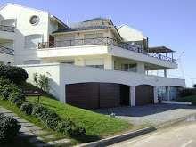 Alquiler de casa en Manantiales sobre el mar - Playa Bikini  Amplio, con tres terrazas apenas elevadas a 50 m ..  http://manantiales.evisos.com.uy/alquiler-de-casa-en-manantiales-sobre-el-mar-id-191046