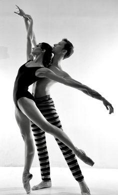 Prima Ballerina of the Bolshoi Theatre Yulia Stepanova with Kamil Yangurazov- Photo Oleg Zotov