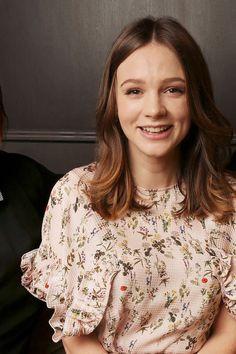 Carey Mulligan as Alice Fortescue English Actresses, Actors & Actresses, Carrie Mulligan, Locks, Gal Pal, Good Looking Men, Woman Crush, Her Hair, My Girl