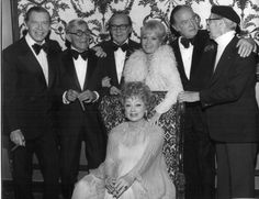 Lucille Ball with Milton Berle, George Burns, Jack Benny, Debbie Reynolds, Bob Hope & Groucho Marx Golden Age Of Hollywood, Vintage Hollywood, Hollywood Stars, Classic Hollywood, Lucille Ball, I Love Lucy, Lucy And Ricky, Jack Benny, Milton Berle