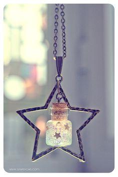 Collar de botella de vidrio con gel de brillo de la estrella. Mini frasco de…