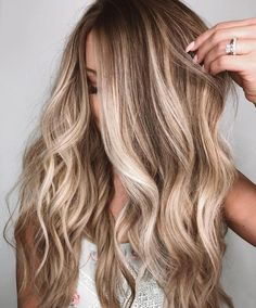 Hair styles Brunette To Blonde Balayage mit Babylights # Frisur # Haarfarbideen # Haarfarbendesi Cabelo Ombre Hair, Balayage Hair Blonde, Balayage With Highlights, Long Bronde Hair, Blonde Hair With Brown Highlights, Dark Roots Blonde Hair Balayage, Brown To Blonde Ombre Hair, Babylights Blonde, Blonde Wavy Hair