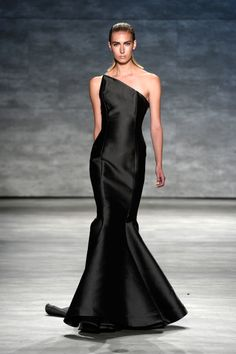 A model walks the runway at the Michael Costello fashion show during Mercedes-Benz Fashion Week Spring 2015 at The Pavilion at Lincoln Center on September 2014 in New York City. (Photo by Fernanda Calfat/Getty Images for Mercedes-Benz Fashion Week) Couture Fashion, Runway Fashion, Fashion Beauty, Fashion Show, High Fashion, Black Wedding Dresses, Elegant Dresses, Beautiful Dresses, Bride Dresses