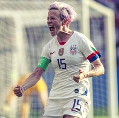 💥 Incredible drama, but the champions progress! Female Football, Female Soccer Players, Fifa 15, Megan Rapinoe, Badass Women, One Team, First Nations, Russia, Champion
