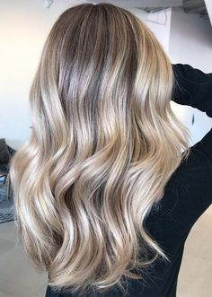 Just see here to visit the coolest and most popular ideas of blonde balayage hair colors and shades for long locks to make you look hot. This amazing hair color shade has become so much famous. Cool Blonde Balayage, Hair Color Balayage, Hair Highlights, Blonde Color, Blonde Highlights On Dark Hair All Over, Blonde Hair Looks, Brown Blonde Hair, Ashy Blonde, Going Blonde
