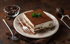 Οι καλύτερες αυγόφετες που έχεις φάει – Newsbeast Chocolate Pastry, Chocolate Tiramisu, Traditional Tiramisu Recipe, How To Make Tiramisu, Non Perishable Foods, Italian Breakfast, Sallys Baking Addiction, Cannoli, Yummy Recipes