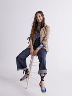 madewell fleet jacket and denim tie-sleeve shirt + wide-leg jeans worn by madewell merch pro mollie.
