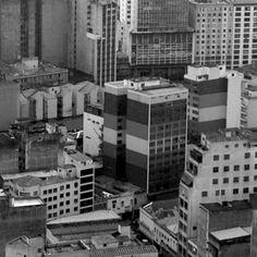 Foto tirada do topo do Banespão, no centro de São Paulo. Fotos em preto e branco.